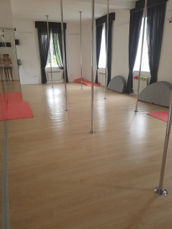 Студия pole dance Veritas - Днепр, Stretching, Pole dance, Pole Sport